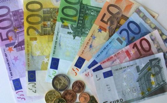 Euros 573 355