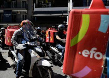 Demonstration by members of workers unions, for the May 1st Strike, in Thessaloniki, Greece, on May 6, 2021 / Απεργιακή συγκέντρωση εργατικών συνδικάτων, για την Εργατική Πρωτομαγιά, στη Θεσσαλονίκη, στις 6 Μαίου, 2021
